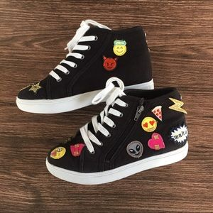 Steve Madden Emoji Patch hi-Top Sneakers